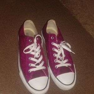 Fuchsia pink glittery sneakers Converse